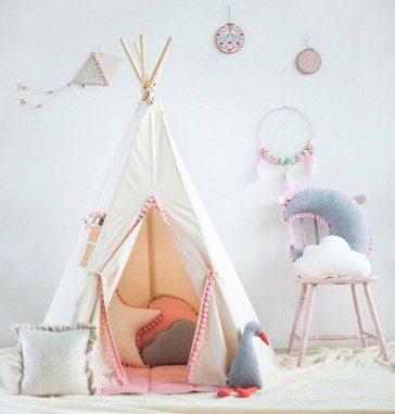 tenda-gioco-bambini-teepee-pompon-fluffy