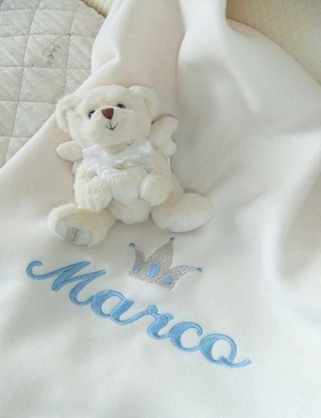 303be3b21d Coperta neonato in pile Il Ricamificio: Personalizzabile con nome ...